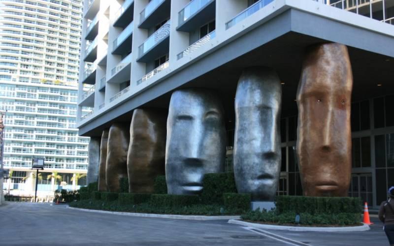 ICON BRICKEL III - W Hotel ,485 Brickell Av, Miami, Florida 33131