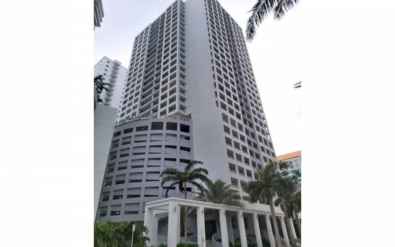 The Sail at Brickell condo, 170 SE 14th ST Miami Fl 33131, Miami condo investment, condo financing in Brickell, FHA condo financing